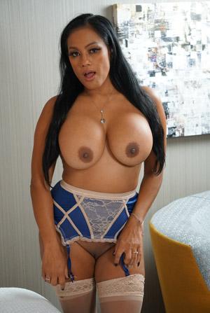 Maxine X